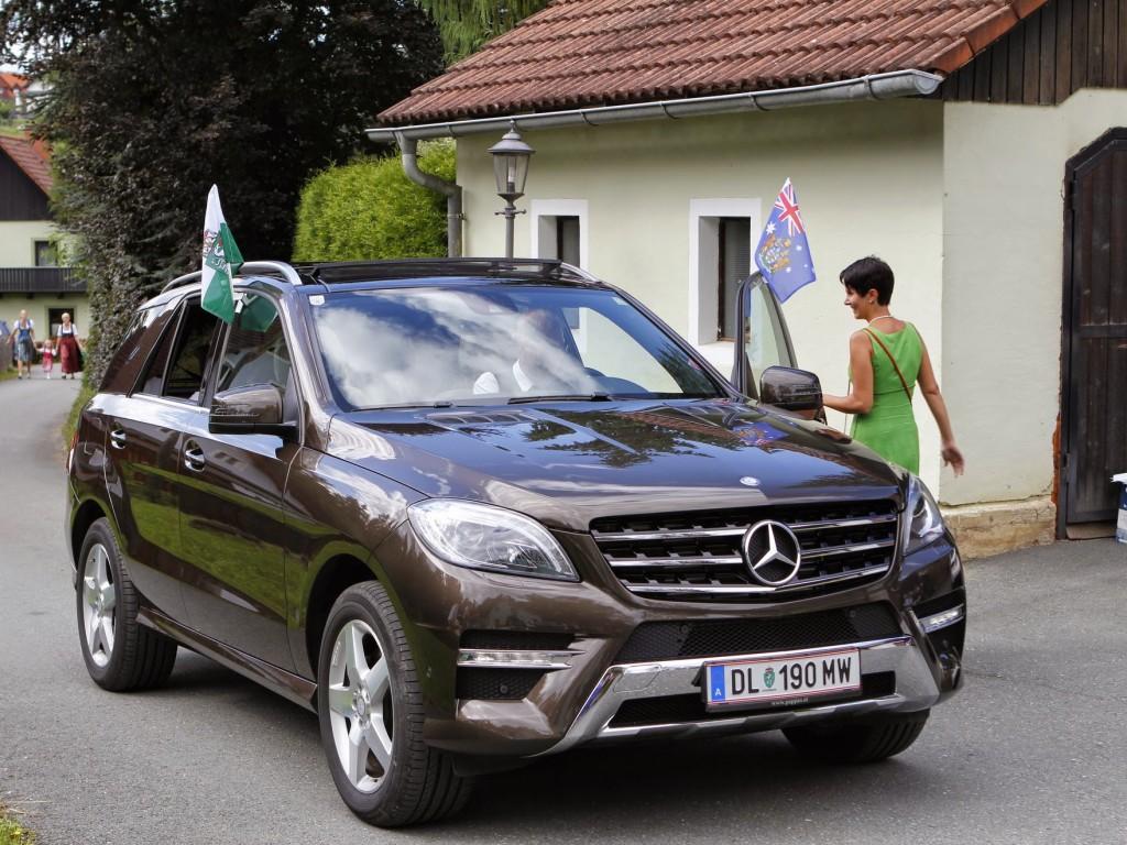Taxi prall news mercedes m350 als brautauto for Mercedes benz m350